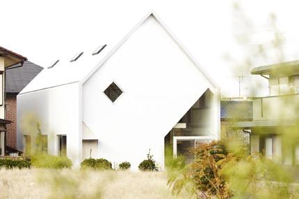 househ-01.jpg