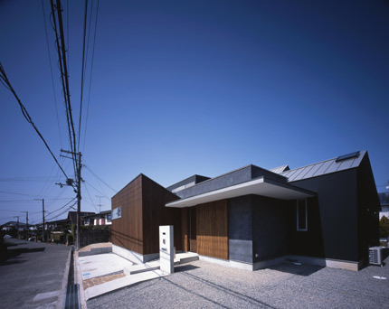 izumi-minami-01.jpg