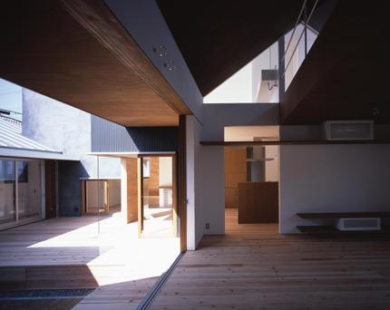 izumi-minami-07.jpg