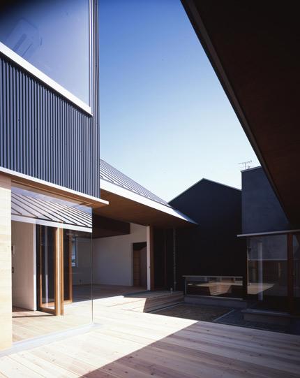izumi-minami-09.jpg