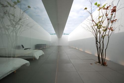 minimalist001.jpg