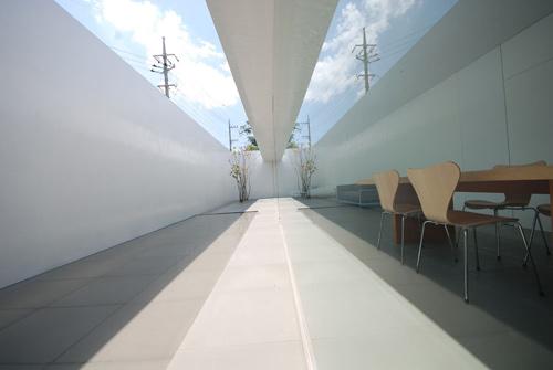 minimalist003.jpg