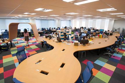 pixivoffice_desk.jpg