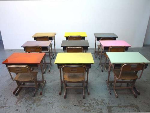 schooldesk001.jpg