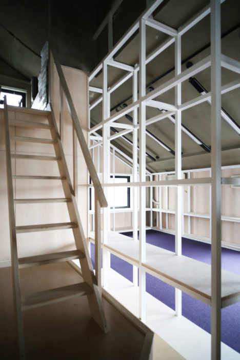 009-kgz-stair