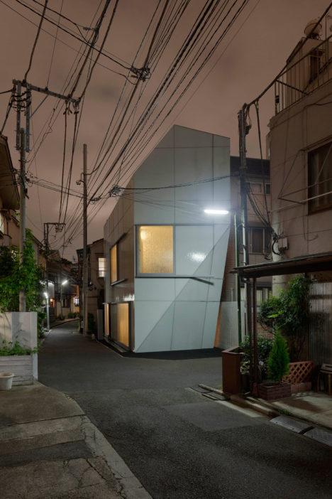 A'-House-1-窶・ツゥJan-Bitter