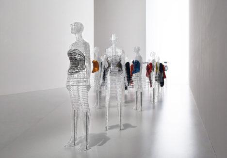 20_2016_Transparent_Body_Installation